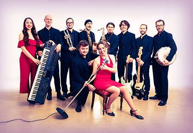 Vienna Groove GmbH - Hochzeitsband